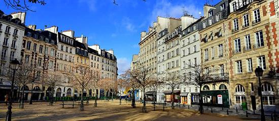 beautiful square dauphine Paris