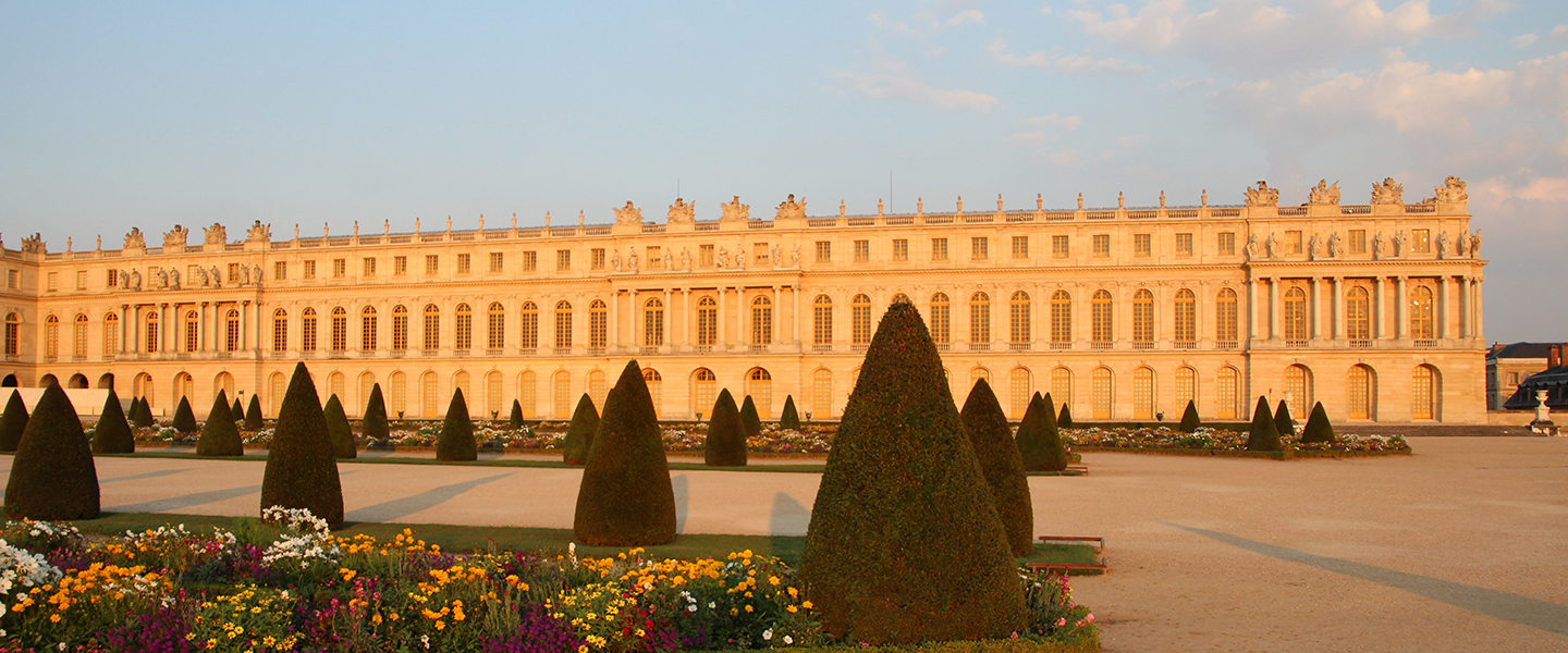 how to go to versailles from paris by train